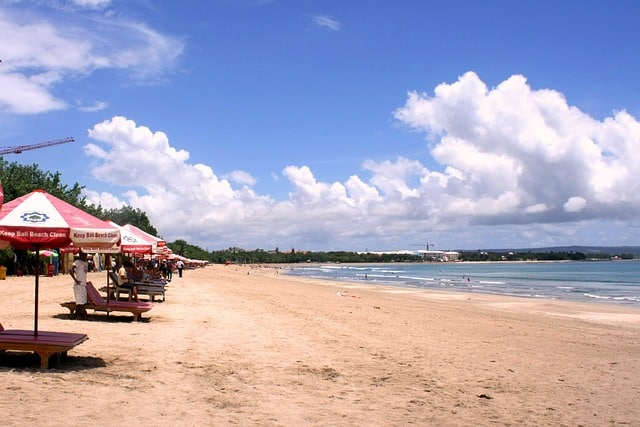 bali girls on the beach
