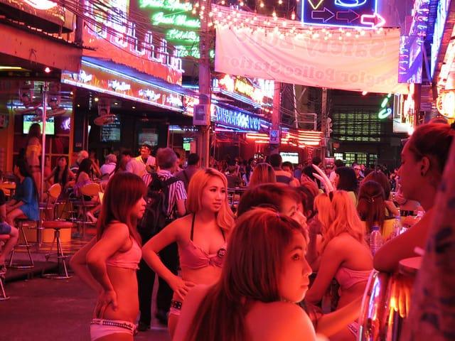 Babgkok bar gilrs