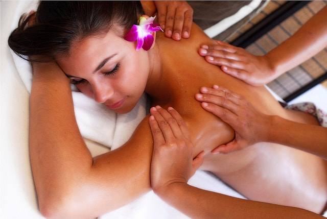 4 hands massage in Sukhumvit